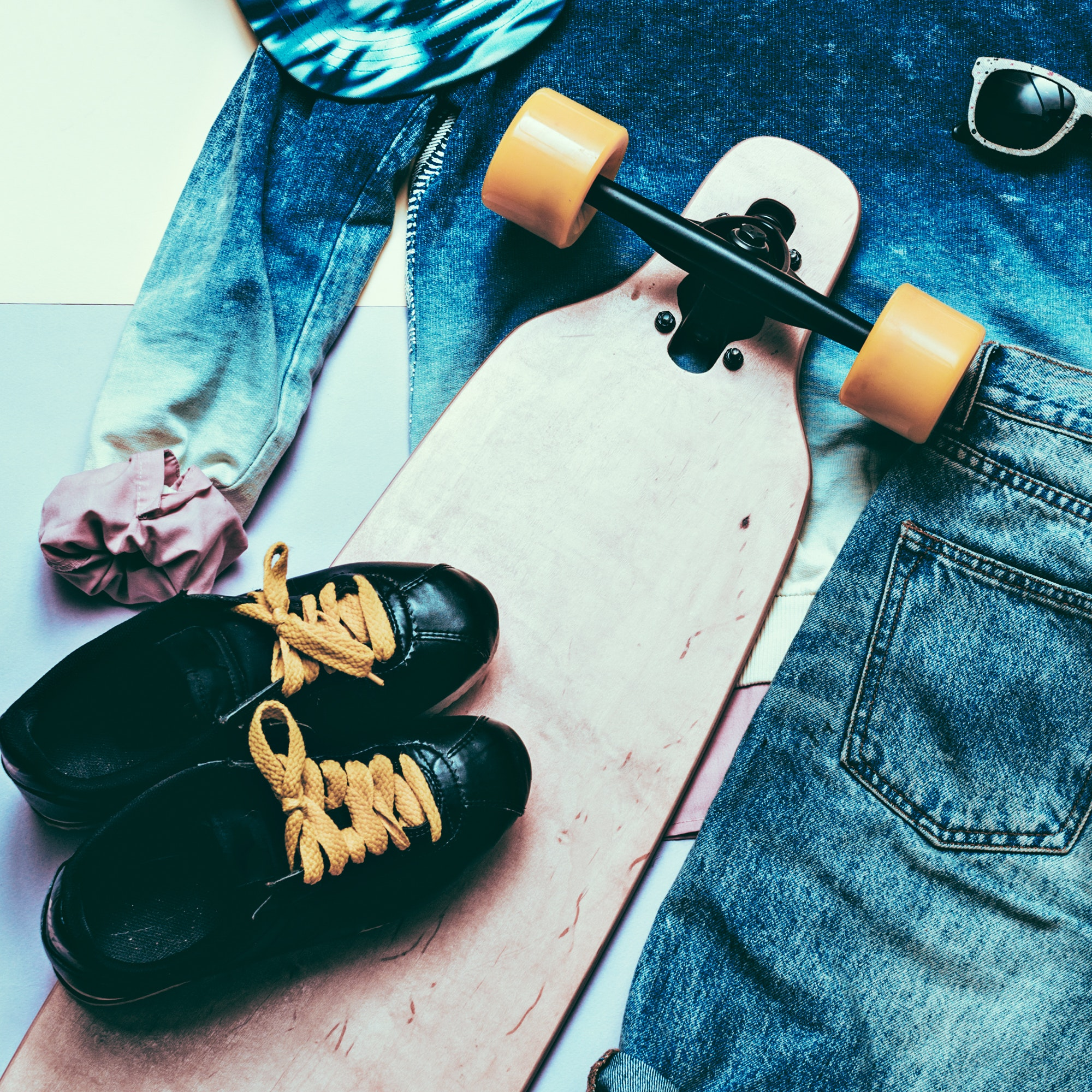 Set Fashion Denim clothing and accessories Cap Skateboard Sneake